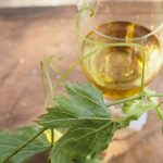白ワインの効能効果!カロリーや糖質(1杯)、赤ワインよりメリットはあるのか?